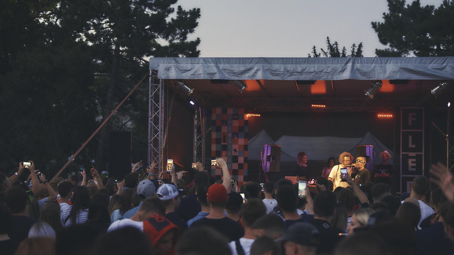 Festial-Uprostred-mizuki-nakeshu-22-.jpg