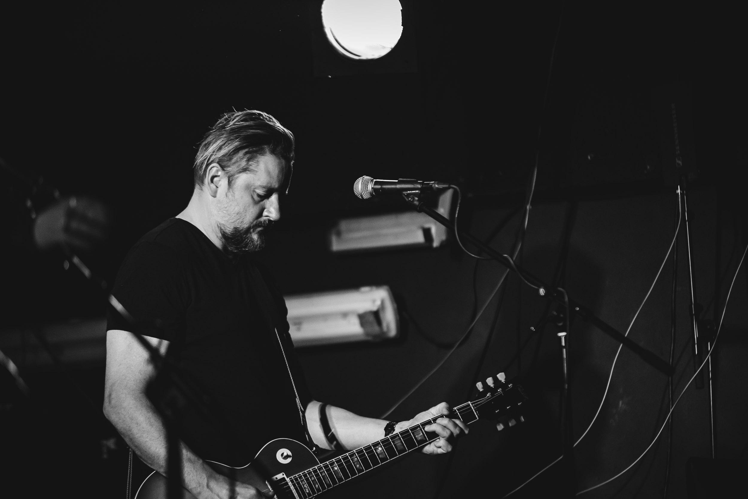 Michal-Ambroz-Hudba-Praha-Tomas-Valnoha-3-.jpg